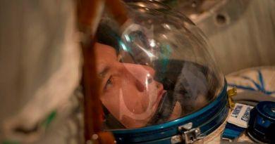 """L'astronauta Luca Parmitano a Vieni da me di Rai1: """"Voglio andare sulla Luna"""""""
