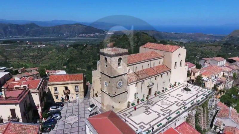 """Sicilia turismo, si riparte dopo il lockdown """"Alla scoperta del borgo di Castroreale"""""""