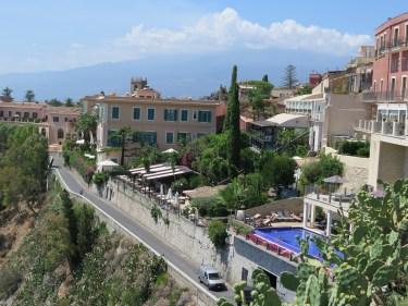 the-best-swimming-pool-at-taormina