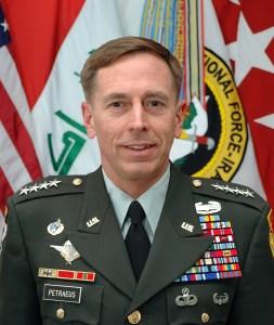 David_H._Petraeus_2008_portrait