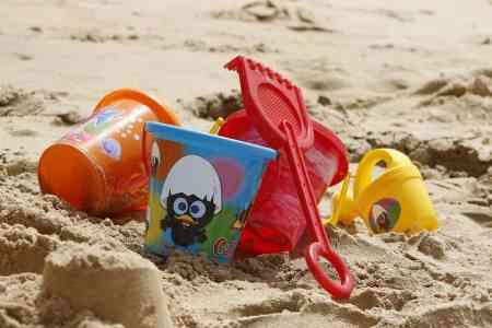 beach toys bucket shovel vacation