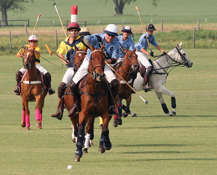 Dallas photographer Rebecca Welter was understandably disappointed when her photos from Polo on the Lawn and Polo for the Planet were missing her photo credit.  Rebecca is a good sport, and cheerfully submitted this photo, one of her favorites, and by george, it's running with her credit this time! Photo definitely by Rebecca Welter