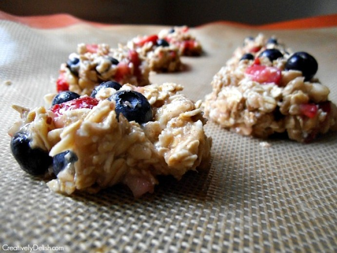Berry Trail Cookies. Made with a simple banana and oat mixture, they're a great snack to have on hand. (Photo by Lauren Blacker)
