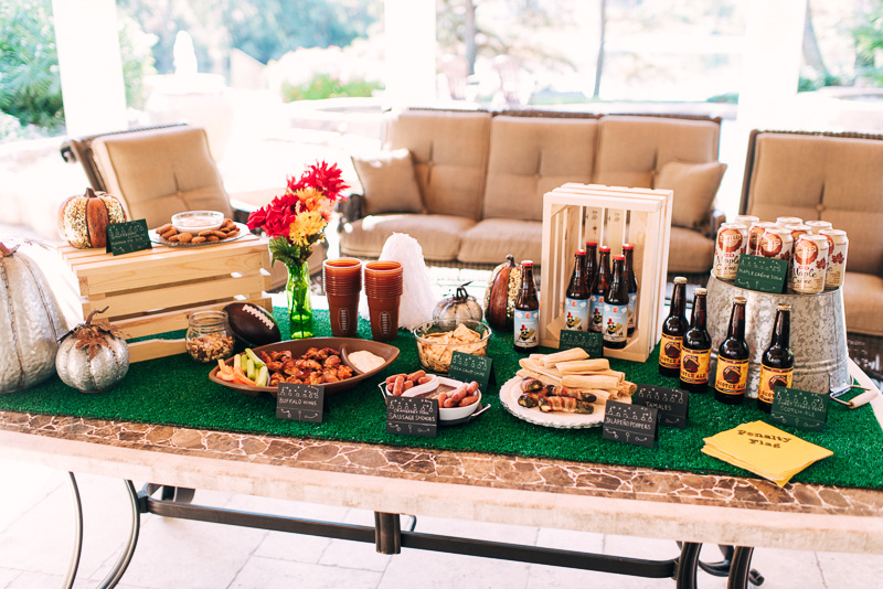 3 Thanksgiving Day Homegating Tips with H-E-B Sideline Socialite