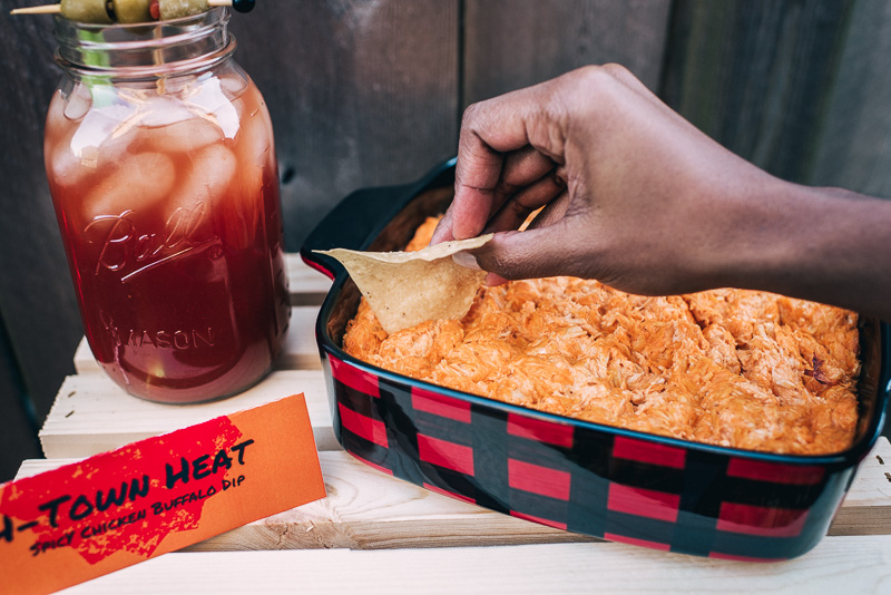 Houston Themed Big Game Watch Party + Free Printables with H-E-B Sideline Socialite