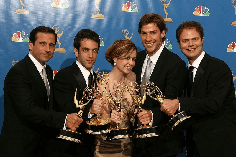 "LOS ANGELES - AUGUST 27: Actor Steve Carell, actor B.J. Novak, actress Jenna Fischer, actor John Krasinski and actor Rainn Wilson poses in the press room after winning ""Outstanding Comedy Series"" for ""The Office "" at the 58th Annual Primetime Emmy Awards at the Shrine Auditorium on August 27, 2006 in Los Angeles, California."