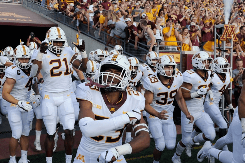 MINNEAPOLIS, MN - AUGUST 30: The Minnesota Golden Gophers run onto the field before the game against the New Mexico State Aggies on August 30, 2018 at TCF Bank Stadium in Minneapolis, Minnesota.