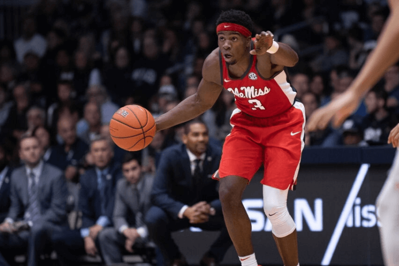 INDIANAPOLIS, IN - NOVEMBER 16: Ole Miss Rebels guard Terence Davis (3) sets up the offense during the men's college basketball game between the Butler Bulldogs and Ole Miss Rebels on November 16, 2018, at Hinkle Fieldhouse in Indianapolis, IN.