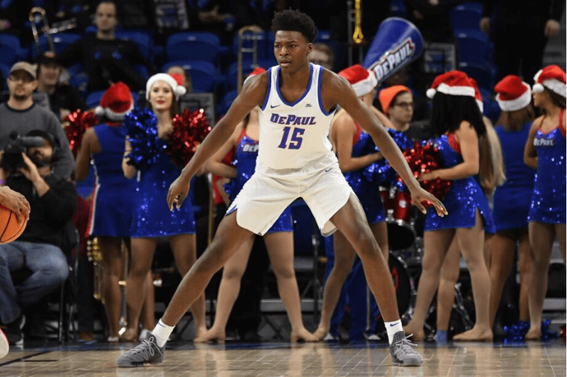 CHICAGO, IL - DECEMBER 21: DePaul Blue Demons forward Paul Reed (15) in action during a game between the Miami (Oh) Redhawks and the DePaul Blue Demons on December 21, 2017, at the Wintrust Arena in Chicago, IL.