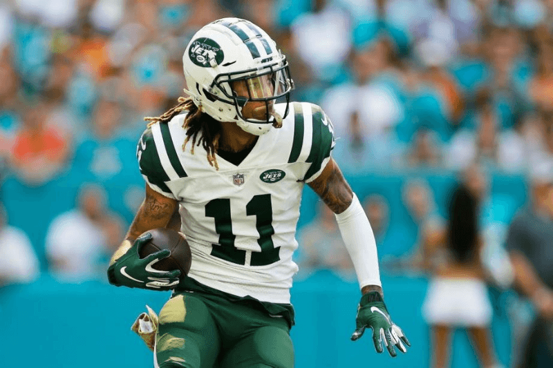 MIAMI, FL - NOVEMBER 04: Robby Anderson #11 of the New York Jets carries the ball againnst the Miami Dolphins in the first quarter of their game at Hard Rock Stadium on November 4, 2018 in Miami, Florida.