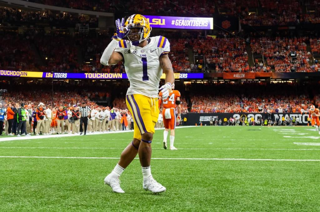 Ja'Marr Chase scores a touchdown as The LSU Tigers take on The Clemson Tigers in the 2020 College Football Playoff National Championship