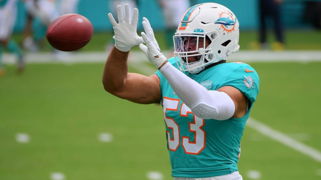 Miami Dolphins middle linebacker Kyle Van Noy (53) warms up prior to the game against the Cincinnati Bengals at Hard Rock Stadium.