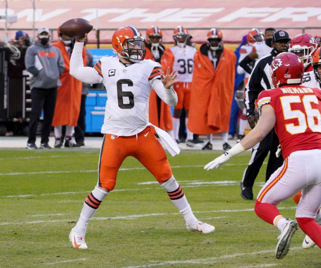 Cleveland Browns quarterback Baker Mayfield (6) throws a pass during the AFC Divisional Round playoff game against the Kansas City Chiefs at Arrowhead Stadium.