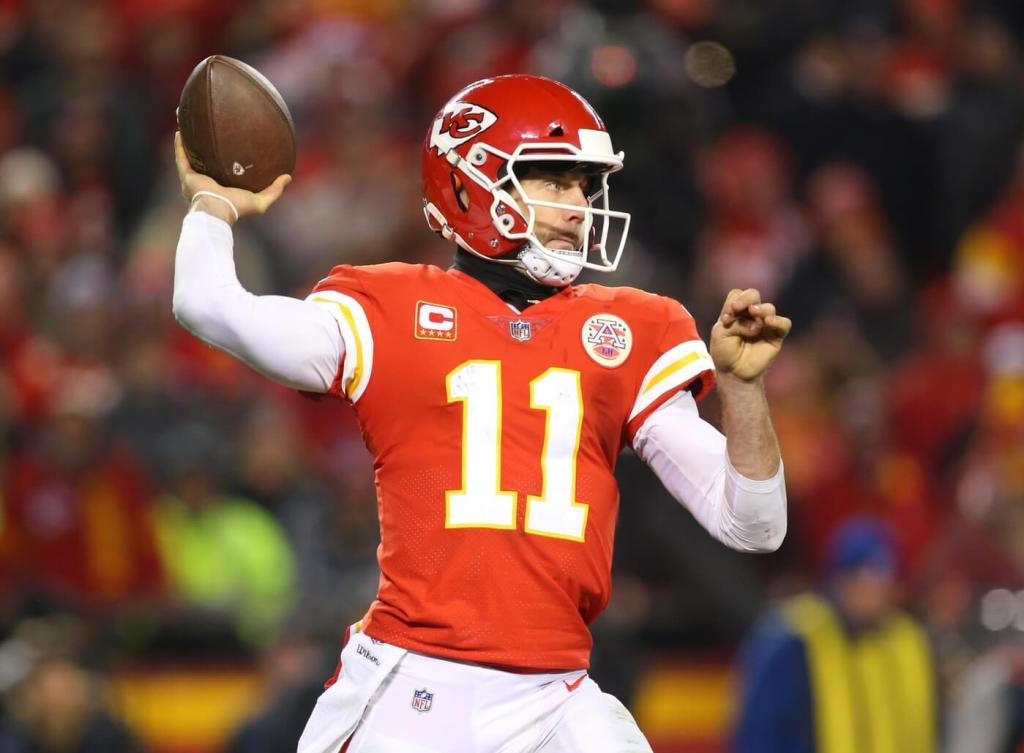 Jan 6, 2018; Kansas City, MO, USA; Kansas City Chiefs quarterback Alex Smith throws a pass against the Tennessee Titans during the fourth quarter in the AFC Wild Card playoff football game at Arrowhead Stadium. Mandatory Credit: Jay Biggerstaff-USA TODAY Sports