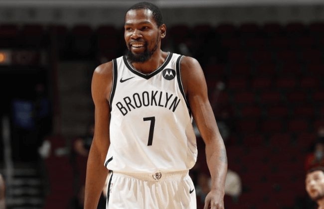 CHICAGO, IL - MAY 11: Kevin Durant #7 of the Brooklyn Nets smiles during the game against the Chicago Bulls on May 11, 2021 at United Center in Chicago, Illinois. NOTE TO USER: User expressly acknowledges and agrees that, by downloading and or using this photograph, User is consenting to the terms and conditions of the Getty Images License Agreement. Mandatory Copyright Notice: Copyright 2021 NBAE (Photo by Jeff Haynes/NBAE via Getty Images)