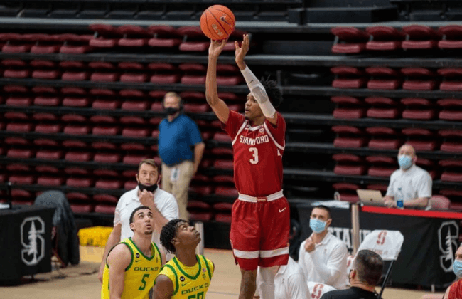 Stanford Cardinal forward Ziaire Williams (3) shoots the basketball against Oregon Ducks forward Eric Williams Jr. (50) during the second half at Maples Pavilion.