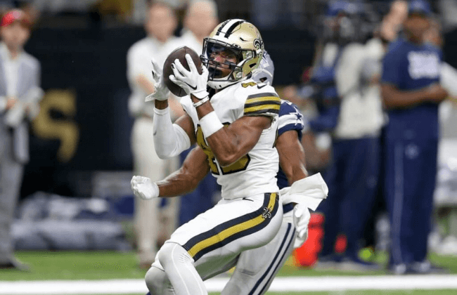Sep 29, 2019; New Orleans, LA, USA; New Orleans Saints free safety Marcus Williams (43) makes a game ending interception against the Dallas Cowboys in the second half at the Mercedes-Benz Superdome. Mandatory Credit: Chuck Cook-USA TODAY Sports