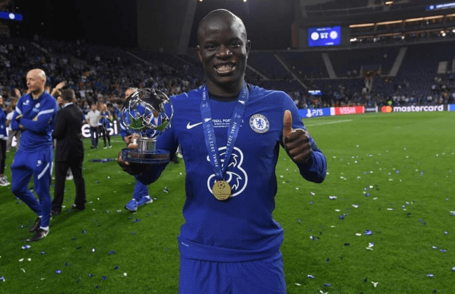 """PORTO, PORTUGAL - MAY 29: Ngolo Kante of Chelsea poses for a photograph with the """"Player of the Match"""" award after the UEFA Champions League Final between Manchester City and Chelsea FC at Estadio do Dragao on May 29, 2021 in Porto, Portugal."""