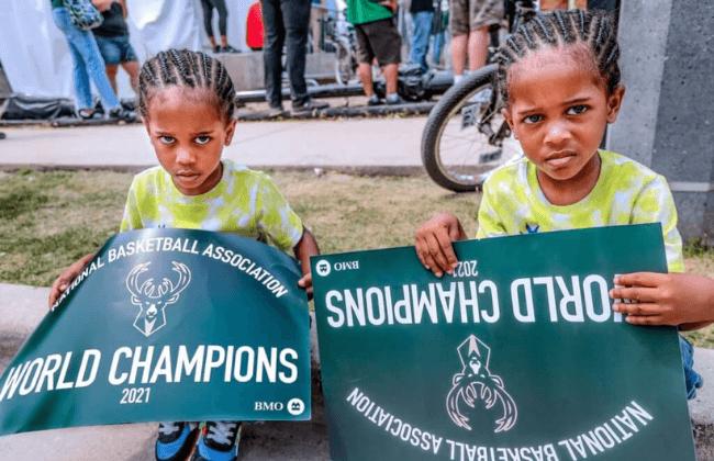 Identical twins Kamri, left, and Kylan Lopez, 3, seen during the Bucks Celebration Ceremony Thursday, July 22, 2021. Mjs 072121paradeandcelebration2721 1