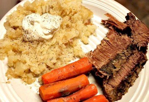 Roast, Potatoes and Carrots - a Crockpot Freezer Meal