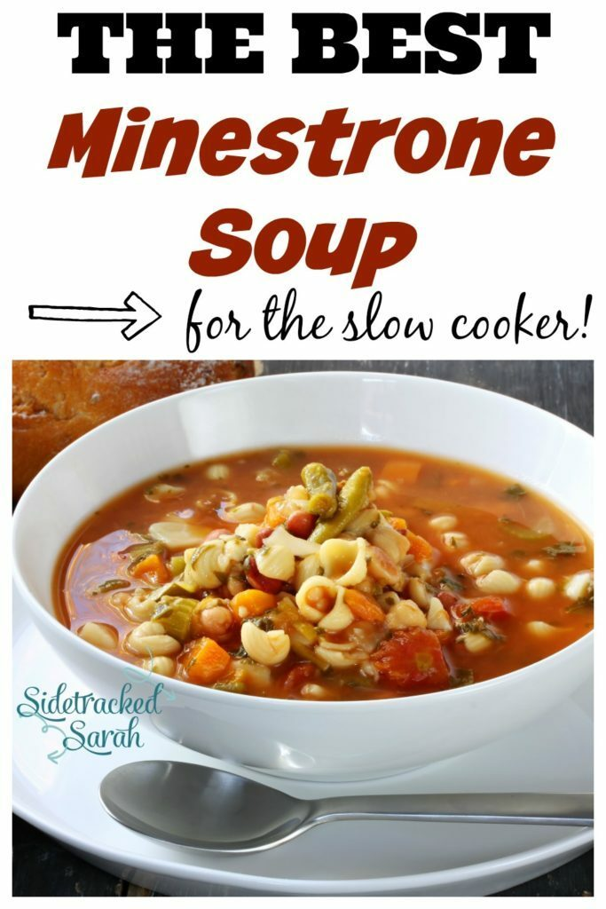 This slow cooker minestrone soup is AMAZING! I'm going to fix it tonight!!
