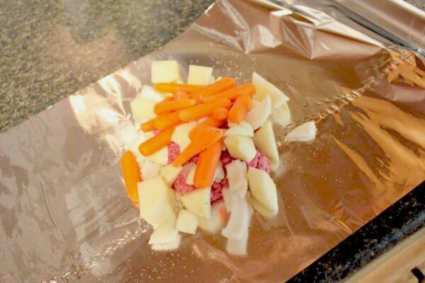 How to Make Hobo Packets in Your Slow Cooker