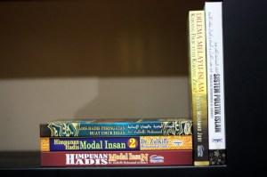 buku-buku yang dibeli dengan menebus mesra point di PSS Gombak