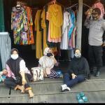 Cegah Terjadinya Kerumunan Di Pasar Pagi Desa,Kapolsek Muara Muntai Gelar Patroli
