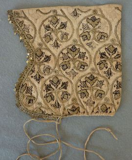 1610-1620 embroidered Elizabethan coif