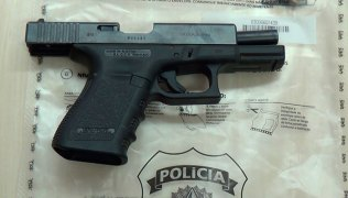 Pistola-foi-apreendida-na-ação-da-PF-que-teve-o-apoio-da-PM