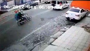 Assassinos passam de moto