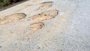 Buracos-na-estrada-de-Caicó-para-Jucurutu2