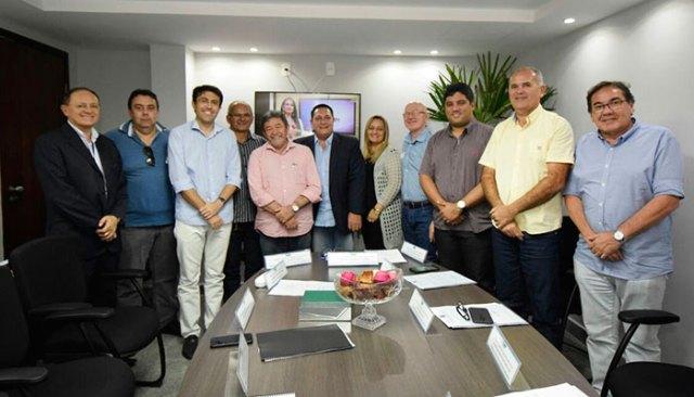 Ezequiel-Ferreira-recebe-prefeitos-de-várias-regiões-para-debater-emendas-Foto-Ney-Douglas