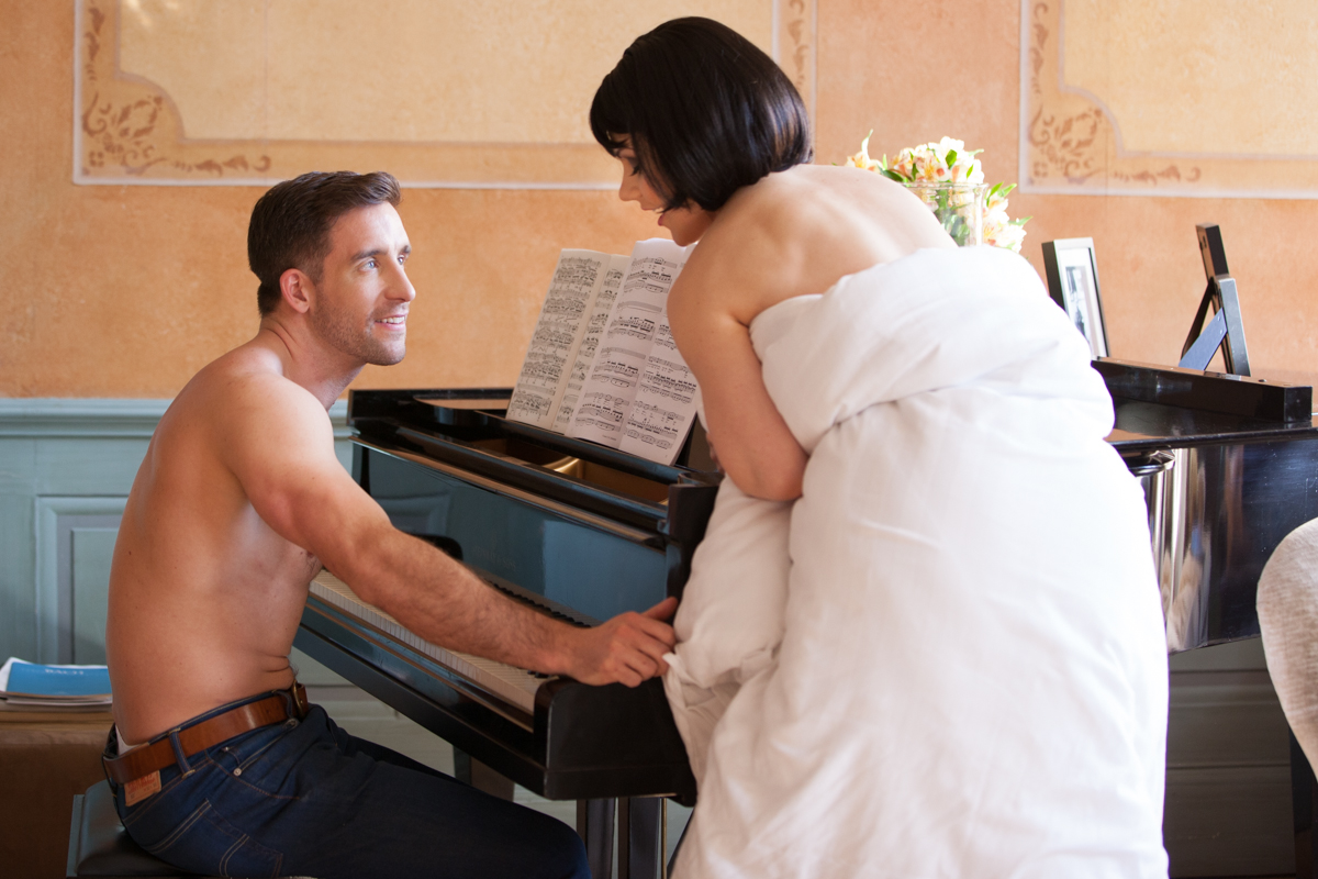 PIANO SEX STORY FROLICME
