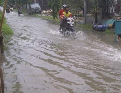 Banjir yang melanda kawasan Sedati.