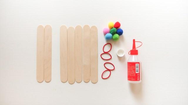 DIY 自製玩具- 小毛球彈射器 DIY Pom-Pom Catapult