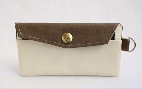 Money Pouch made from Waterproof Cloth, Washable Kraft Paper and Canvas紙樣。YANG 手作 水洗牛皮紙現金袋