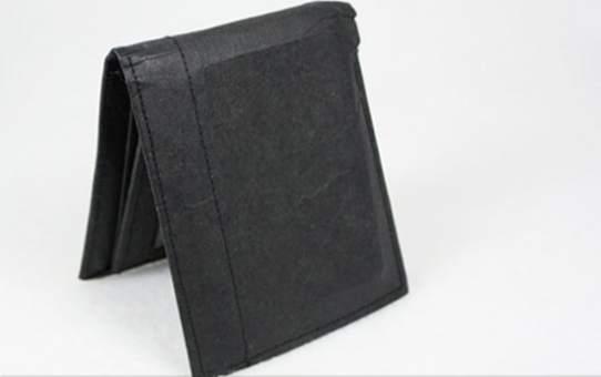 使用10個月後的舊短夾 10-month-old Washable Kraft Paper Wallet
