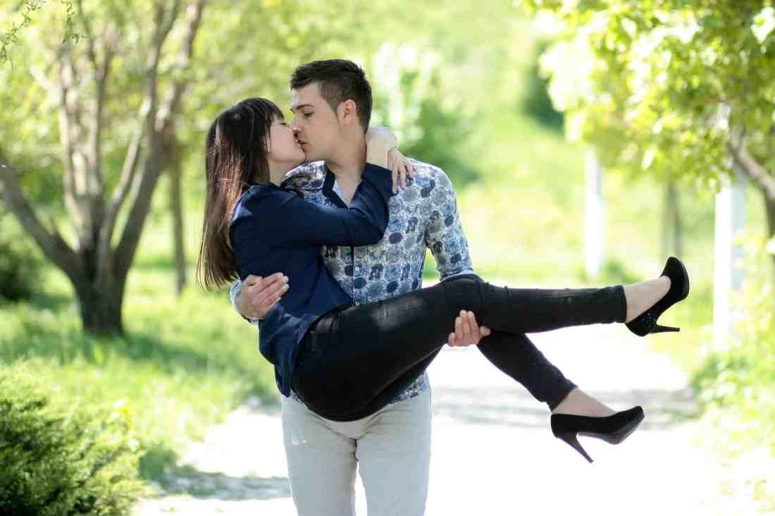 couple-1363967_1920