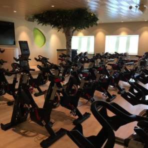 Body and Soul Sport Fitness AIDAprima Ausstattung Einrichtung Training Trainingsturm Indoorcycling