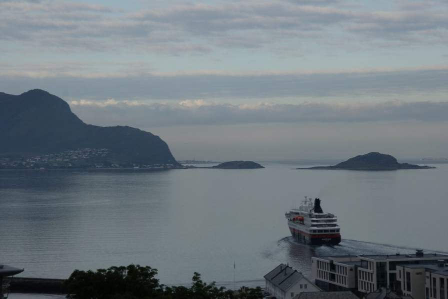 Hurtigruten Postschiff Alesund