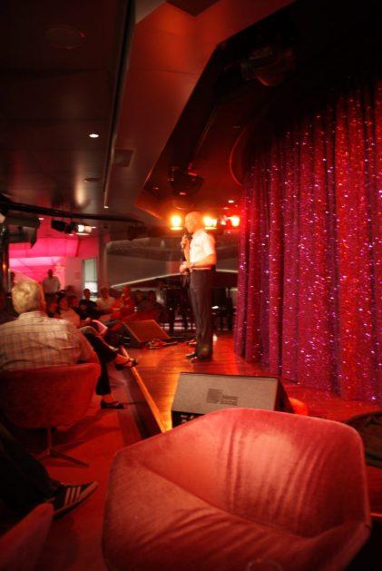 Nightfly Nachtclub Bühne Vorhang