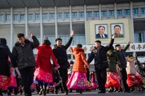 danse 2 - celebrations - Coree du Nord, l'envers de la medaille - Asie, Coree du Nord