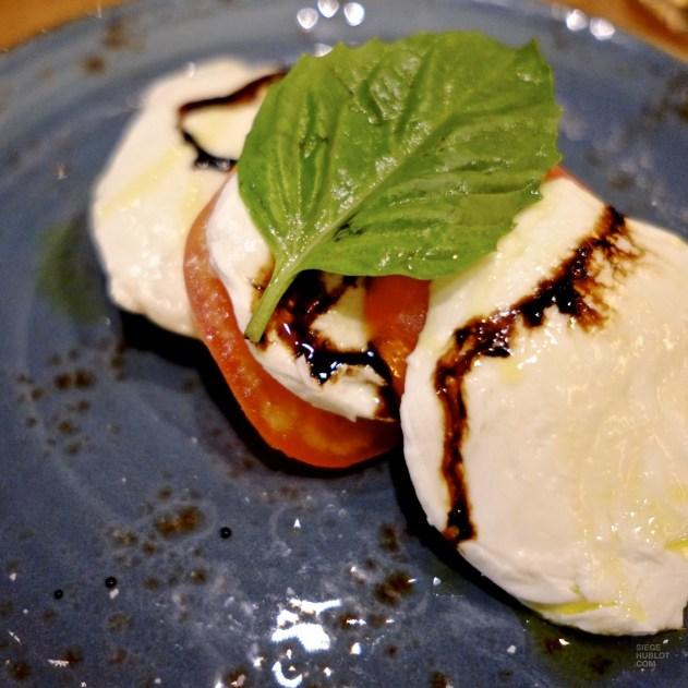 tomates mozzarella restaurant italien - Cibo Wine Bar - Séjour à Toronto - Amérique, Canada, Ontario
