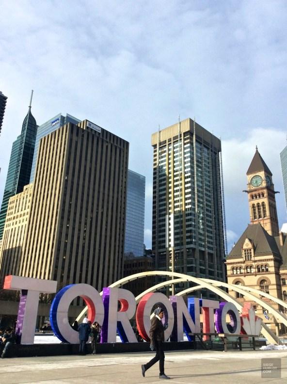 Toronto Nathan Phillips Square - Ontario - Le Canada dans ma langue - Amérique du Nord, Canada