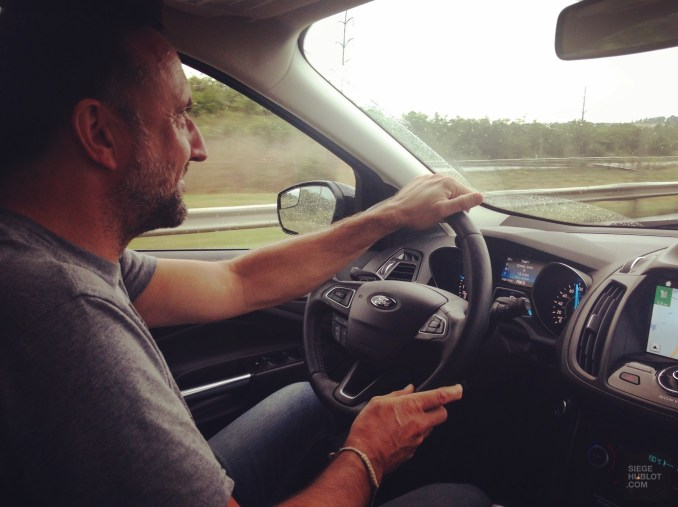 Sur la route, au volant de la Ford Escape - Allez plus loin - Road trip en Ontario - Amérique du Nord, Canada