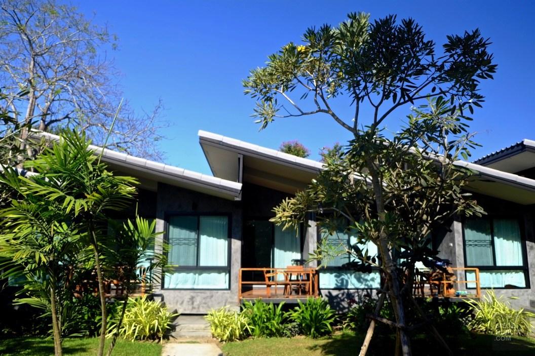 Chambres en rangée - Un Hôtel Charmant - Pai et la fraicheur des montagnes - Asie, Thaïlande