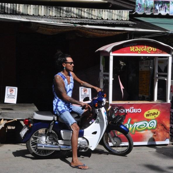 Rouler avec style - Les Backpackers et les nombreux Hostels - Pai et la fraicheur des montagnes - Asie, Thaïlande