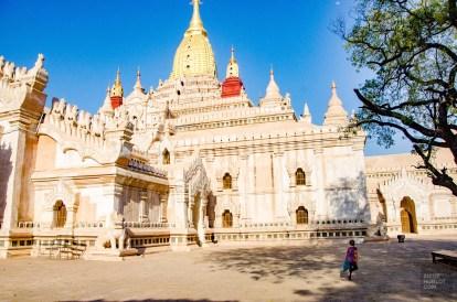 temple blanc - Bagan, capitale de l ancien royaume de Pagan - A la recherche du temple perdu Bagan, Myanmar - Asie, Myanmar