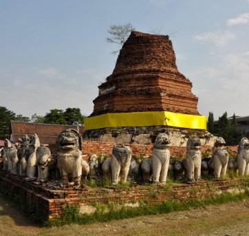Ruines protégées par les lions - Et quoi d'autre? - Le parc historique d'Ayutthaya - Destination, Asie, Thaïlande
